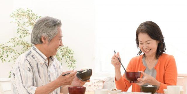 高齢者の減塩食はまずい?美味しく食べる4つのコツ